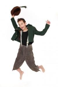 Trachtenkleidung für Jungen: Lederhose und Lodenjacke