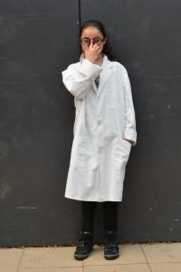 weißer Laborkittel - in großer Stückzahl vorhanden