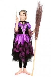 schwarz-lila Kleid mit Spinnennetzmotiv
