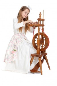 weißes Seidenkleid mit Rosenrock