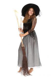 Kleid mit Tüllbesatz und Hexenhut