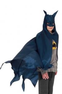 blauer Batmanumhang mit Shirt und Leggins