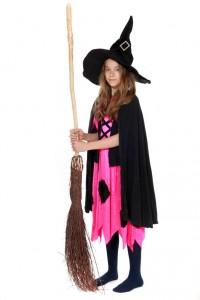 pinkes Hexenkleid mit Hut, Umhang und Besen