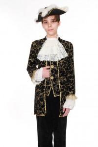 Anzug aus schwarzem Pannéesamt mit Golddruck, Dreispitz Jabot