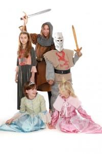 verschiedene Kostüme zum Thema Ritter