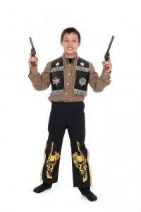 schwarze Hose und Sheriffweste