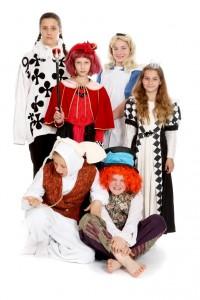 Die Kostüme sind im einzelnen unter der Rubrik Film beschrieben