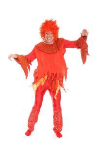 rotes Flatterhemd mit Leggins und Stulpen