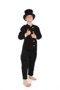 schwarzer Anzug in Gr. 134 mit Zylinder